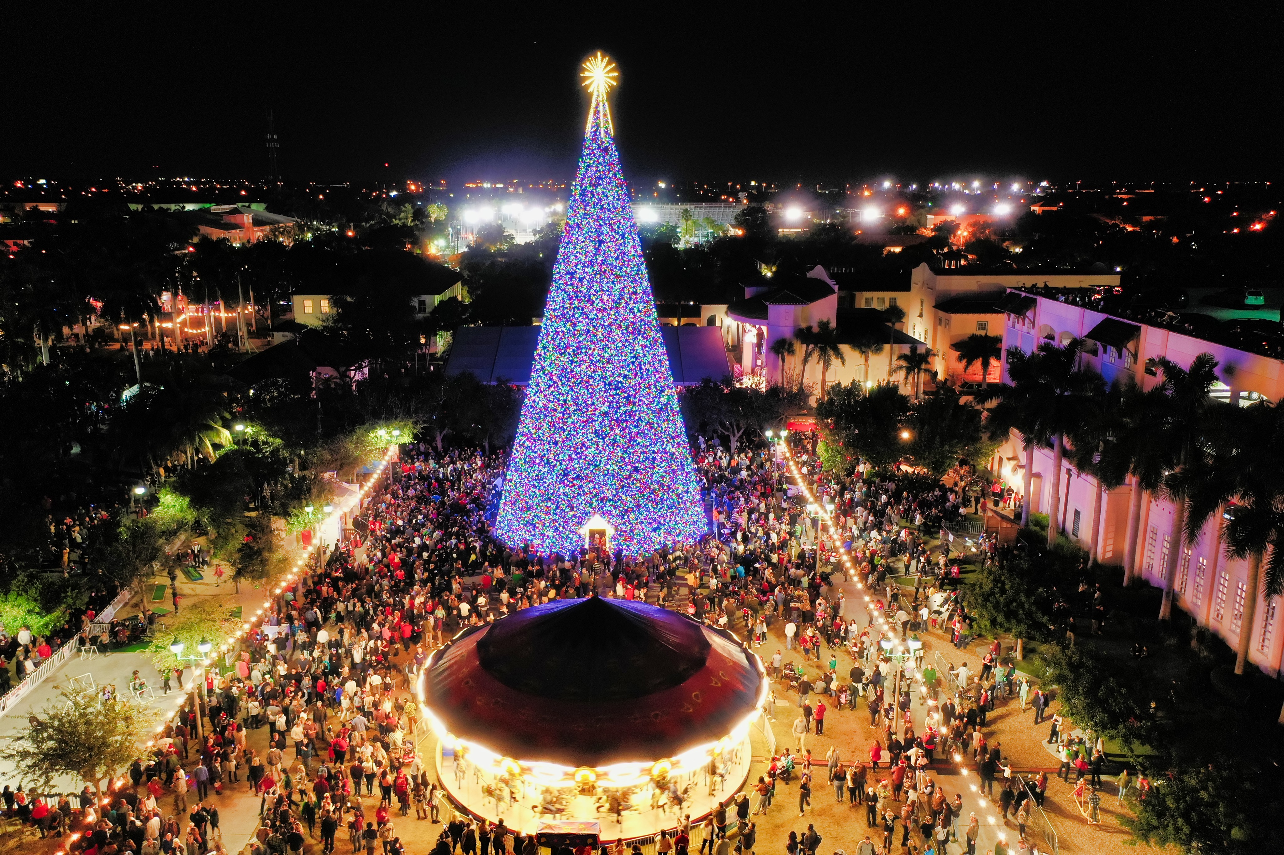 Delray Christmas Tree Lighting 2021 Christmas In Delray Beach Florida Christmas In Florida Florida Christmas